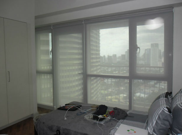 Sunscreen Roller Shades for Penthouses