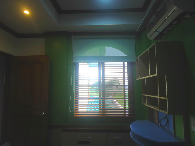 Wooden Blinds:865 WALNUT and Roller Blinds:A4007 GREEN Installed at Laguna City, Philippines