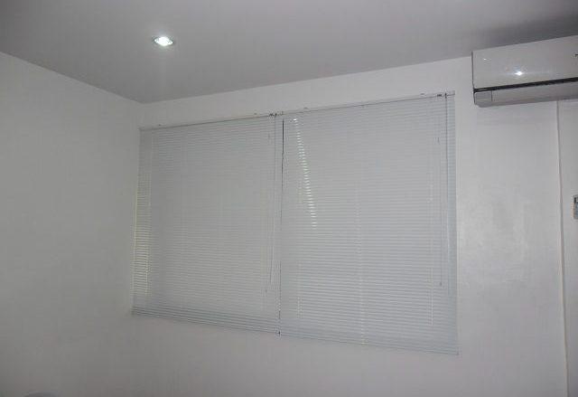 Mini Blinds: White 301