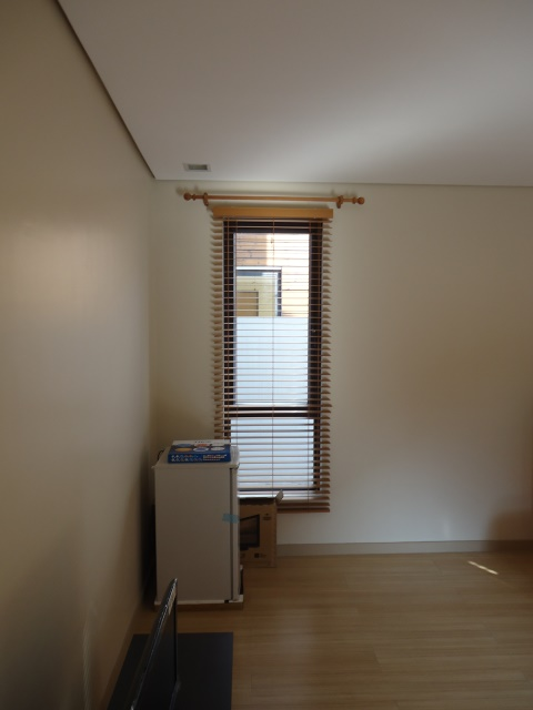 Faux Wood Blinds: Birch
