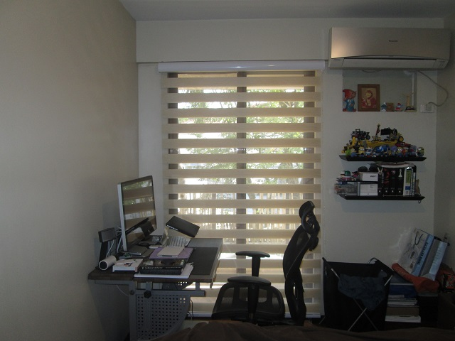 Combination Blinds in Balcony Sliding Glass Door