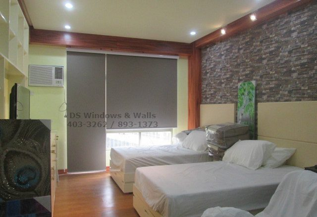 Roller blinds with valence