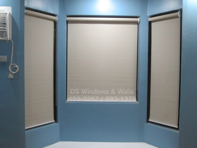 Roller blinds without Valence